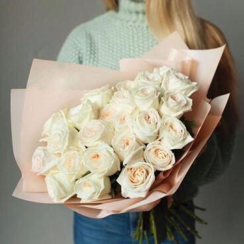 Купить на заказ Букет из 31 белой розы с доставкой в Хромтау