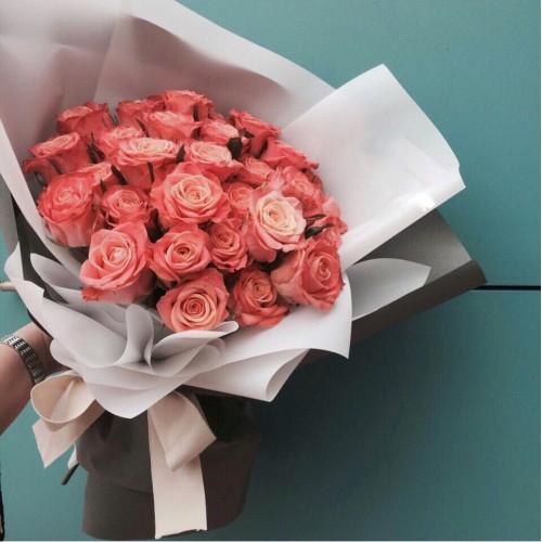 Купить на заказ Букет из 31 розовой розы с доставкой в Хромтау
