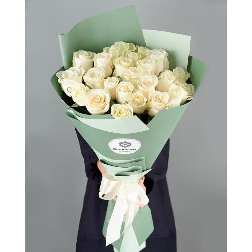 Купить на заказ Букет из 25 белых роз с доставкой в Хромтау