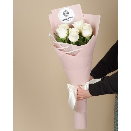 Купить на заказ Букет из 5 роз с доставкой в Хромтау