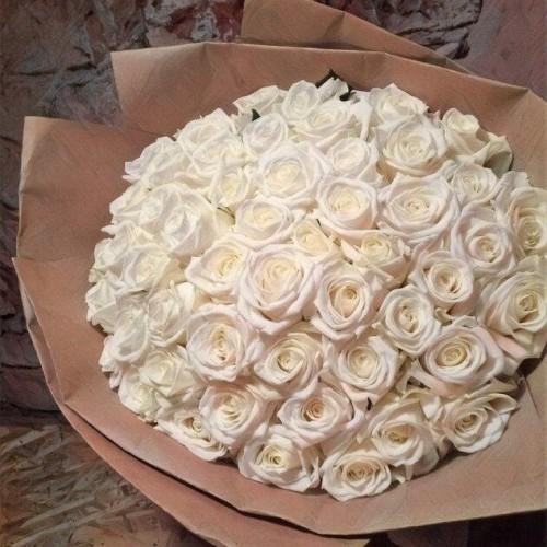 Купить на заказ Букет из 101 белой розы с доставкой в Хромтау